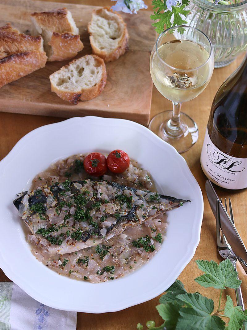 鯖の粒マスタードビネガー煮と、魚にぴったりな白ワインのペアリング