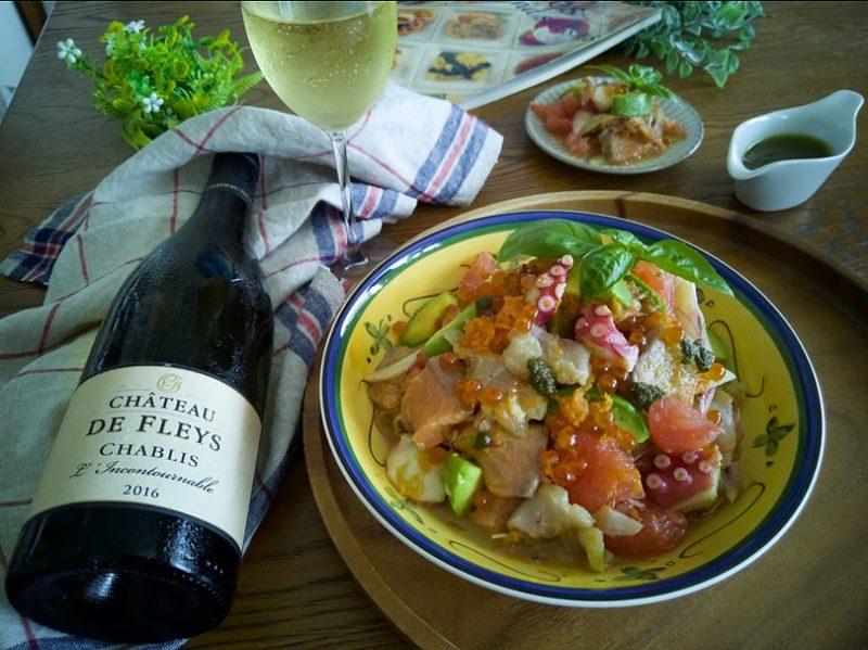 海鮮とグレープフルーツのサラダ ブルゴーニュの白ワインを添えて