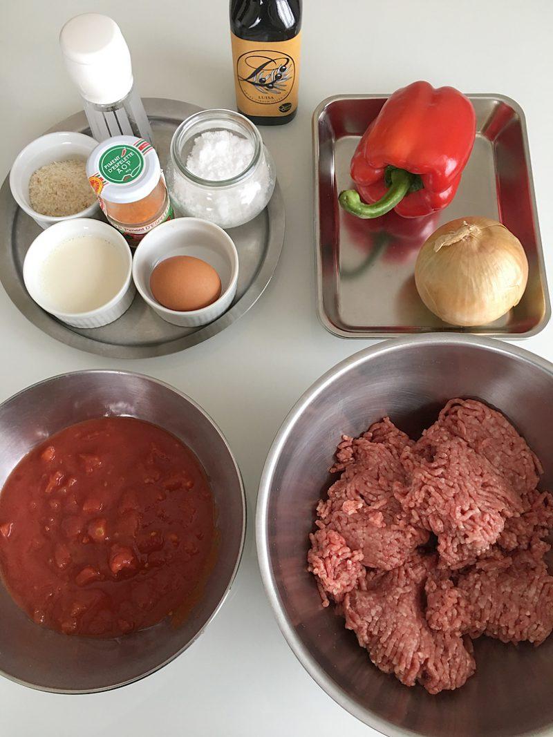 肉団子とパプリカのバスク風煮込みの作り方
