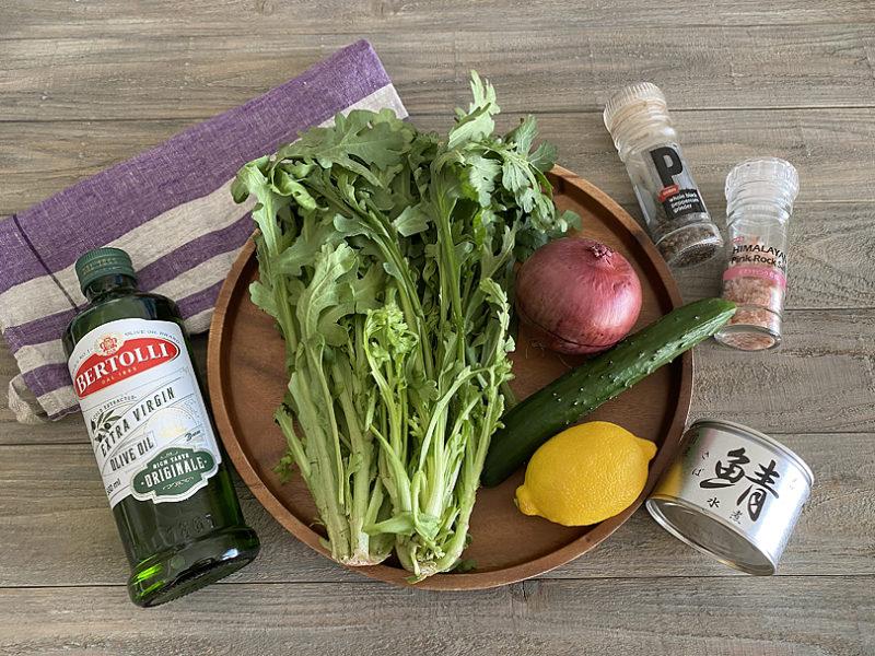 春菊とサバ缶のおつまみサラダの作り方